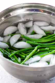 Crown Roast shocking-green-beans-in-ice-bath